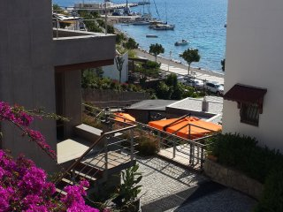 Bodrum Kumbahçede  2 Bedroom Apartment With Sea View Near The Beach # 540