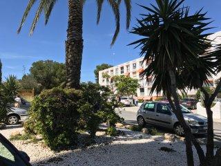 Studio getaway, Calahonda, Riviera del Sol, Mijas, 5 min stroll to beach.