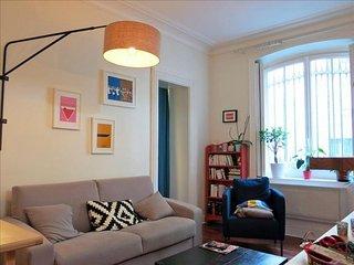 Montmartre Trudaine apartment in 09ème - Opéra {#…