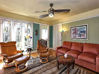 Fall Savings! Vibrant 2BR Venice Beach Home - Walk to the Beach!