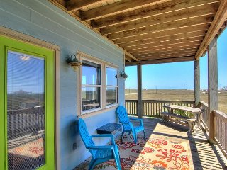 Walk to the Beach from a Sunny 2BR Port A Duplex!