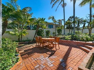 Sun-Drenched Solana Beach House – Steps from Tide Park Beach Access