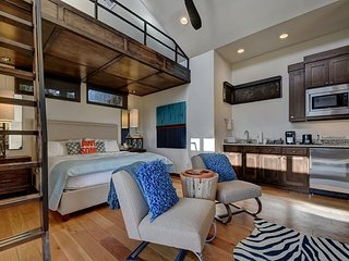 The Reserve at Lake Travis Cabin #12 – Contemporary 1BR Beauty on the