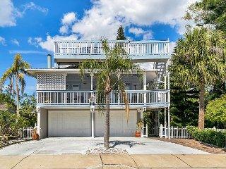 5-Star, Key West-Style Beach House w/ Multiple Living Areas
