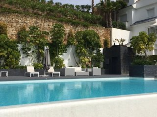 Luxury Two Bedroom Apartment in Valley Heights,  Puerto Banus