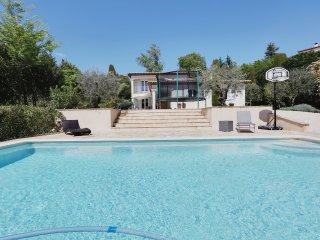Jolie maison avec piscine pres de Saint-Paul