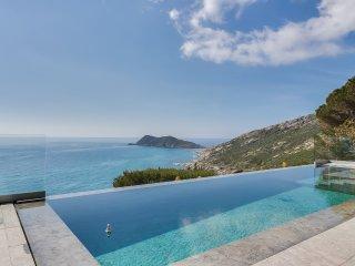 Somptueuse villa, vue mer à 180°, à Ramatuelle