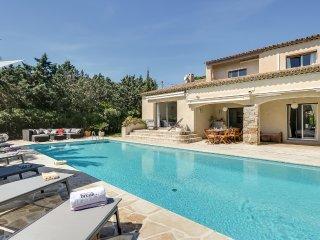Coquette villa avec piscine à Sainte-Maxime