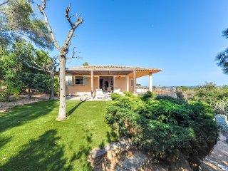 Villa vue sur la mer dans un domaine privé