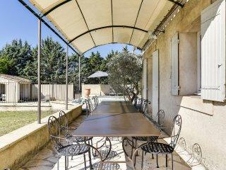 Bastide provençale avec double piscine