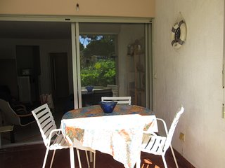 Cosy Studio with Terrace, Pool & Parking