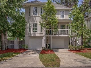 35 Bradley Beach-Bring Fido! Steps to the Beach & Dog Park.