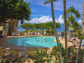 Royal Kahana 119 - Studio Oceanfront Condo (Epic Realty)