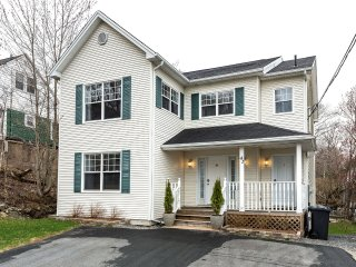 Pioneer House -Newer Home in Mature Halifax Neighbourhood