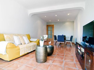 Comfortable and practical apartment with AC, wifi and parking in Sitges.