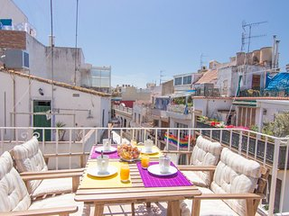 Penthouse with terrace, AC and WIFI in Sitges.