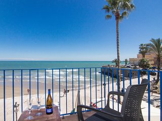 Romantic beach front apartment in Sitges.