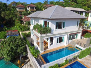 New Modern Pool Villa Near Beach