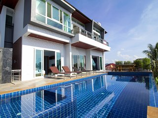 Brand New Luxury Pool Villa Near Beach