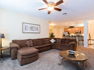 Vista Cay 3BR, 2BTH condo right next to The Convention Center VC146