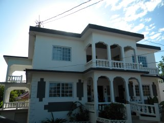 Negril, Jamaica  Tropical Breeze 7 bedroom Villa Rental with pool, housekeeper