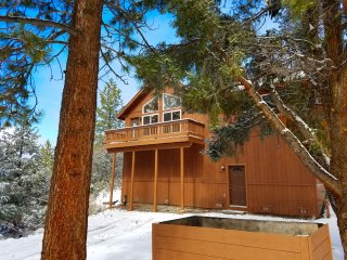 Gorgeous Vacation Cabin, Stunning Views & ALL THE AMENITIES at Brookson Lodge!!!, Pine Mountain Club