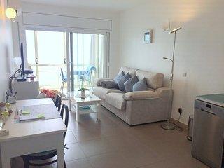 MEDA CHICA- Precioso apartamento primera linea de mar con vistas, Roses