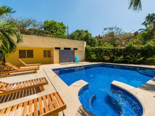 Ocean View Sun Deck Condo in the Center of Tamarindo - [COM15]