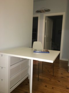 table expands to accommodate 4
