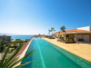MYA Charming Condo in Town, just one block away from los Muertos beach