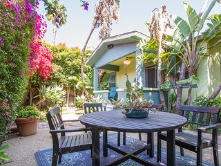 2 BR Venice Taste Bungalow with Garden