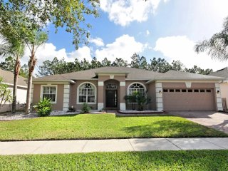 Lovely 5 bedroom 3 bath Highlands Reserve home 7 miles to Disney from $188nt