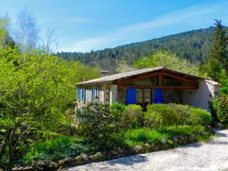 La Clède, gîte au Moulin de Lande avec piscine, plage, rivière