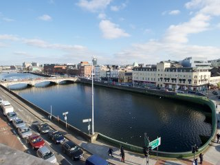 Stunning 2 Bedroom heart of Cork City Center Apartment