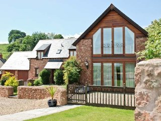 THE LINHAY, pet friendly, luxury holiday cottage, with hot tub in Washford, Ref