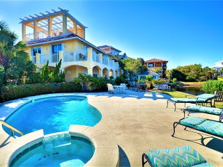 Bella Vita: Gulf Views/Lake Front, Private Pool, Steps to the Beach!