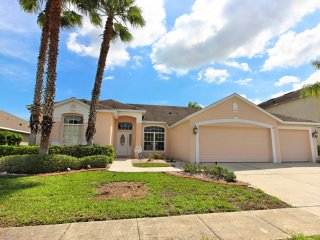 Cozy 4 bedroom 3 bath Highlands Reserve home 7 miles to Disney from $163nt