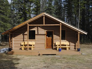 16 Mile Family Cabin, Dease Lake