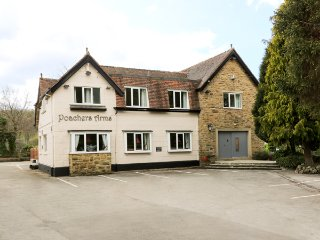 POACHER'S ARMS, all bedrooms with TV and en-suite, games room, in Hope, Ref
