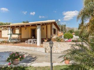 Cocus-House near the beach & with wi.fi, Avola