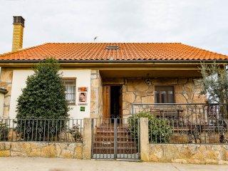 Fachada principal de la casa rural Casa Salva