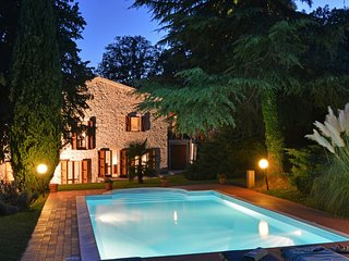 Il Fico, Montone, 8 beds in 4 rooms renovated stone house with private pool.