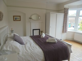 Welcombe Cottage, walk to the beach and south downs