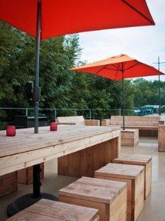 Zalig genieten met een glaasje op het terras.
