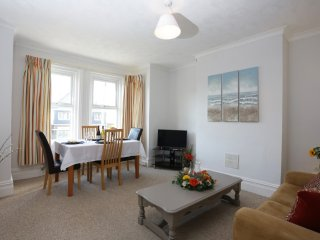 Well Presented F/F 2 Bedroom Flat, Holdenhurst Road - FM6056, Bournemouth