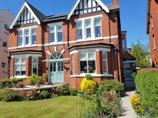 Self Catering Holiday Let - Apartment, Southport