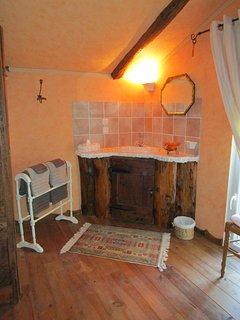 Cabinet de toilette de la chambre Orangée