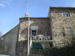 Large 2 Bed Apartment with Balcony/Agde