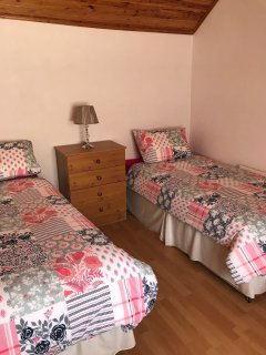 Bedroom 1 sleeps 3