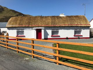 TheThatch - traditional stone thatched cottage, Maghera, Ardara, Co Donegal